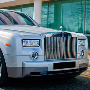 Executive Silver Rolls Royce Phantom